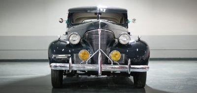 Chevrolet Deluxe 1937 front view
