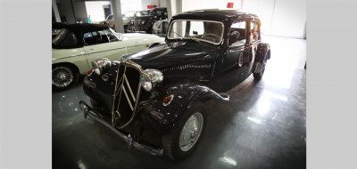 Citroen Traction Avant 1950 front left view