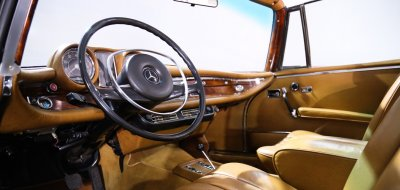 Mercedes Benz 280SE 1969 interior