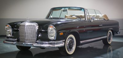 Mercedes Benz 280SE 1969 front left