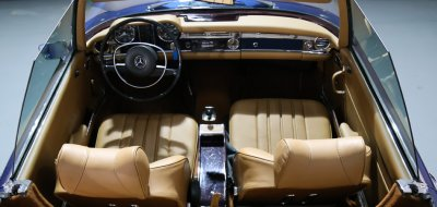 Mercedes Benz SL280 1969 interior
