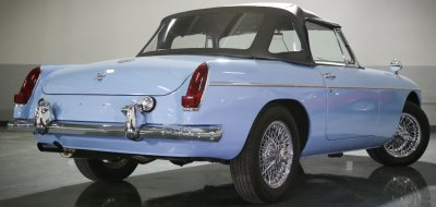 MG B 1963 rear right view