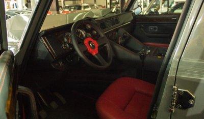 Lamborghini LM002 1988 interior