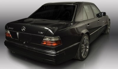 Mercedes Benz E500 1994 rear right view