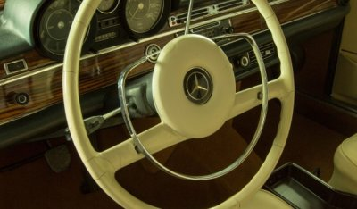 Mercedes Benz SEL300 1967 steering wheel